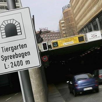 Spreebogen Tunnel